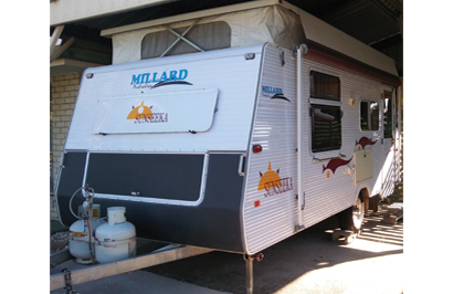 "MILLARD POPTOP 2008, 17'6""x7'6"" isl/bed, 3w frig, m/wave, gas/elec'..."