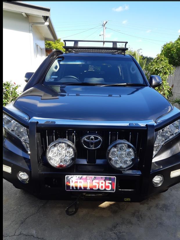 "Toyota Prado GXL 2016 Bullbar Towbar 2"" lift kit snorkle dual batteries redarc solar 50500km spotlights..."