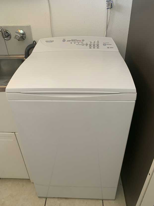 Fisher & Paykel top loader washing machine in excellent condition. Renovating so need to sell. Pick up...