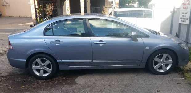 2007 Honda Civic VTI-L       auto sedan   cruise control   cd player   electric...