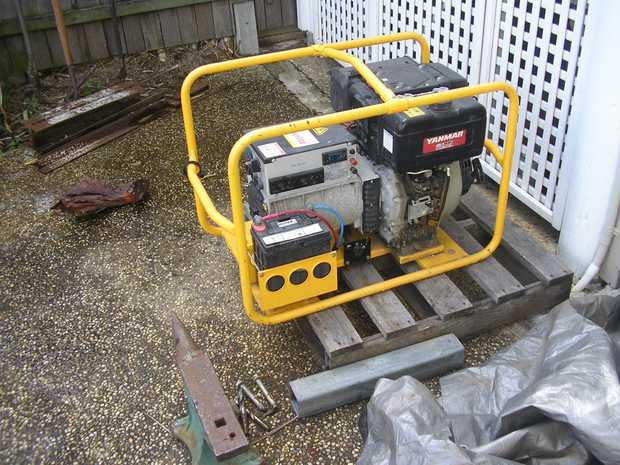 POWER LIGHT PORTABLE ROLLER GENERATOR  