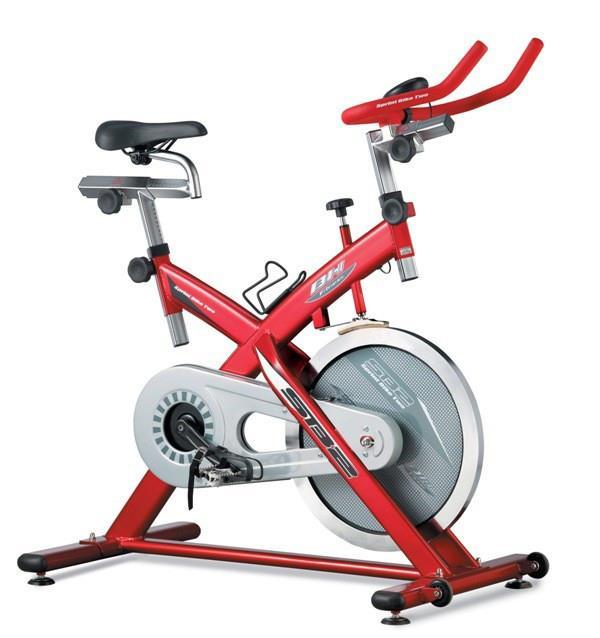 18kgs flywheel Fully adjustable handlebars and seat Steel cased crank set Oversized steel frame Wheels...