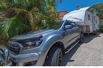 FIFTH WHEEL 26' Fully off-grid living, 2015 auto Ranger, immac, 50,000 kms, every extra, full...