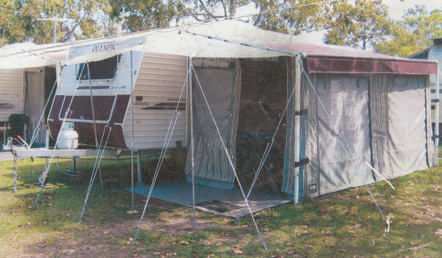 19ft. Air-conditioned Full Awning Good Condition