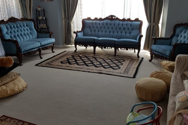 U BAY AUSTRALIAN UPHOLSTERY   ALL Your Upholstering Needs     Lounges  Chairs  Marine...