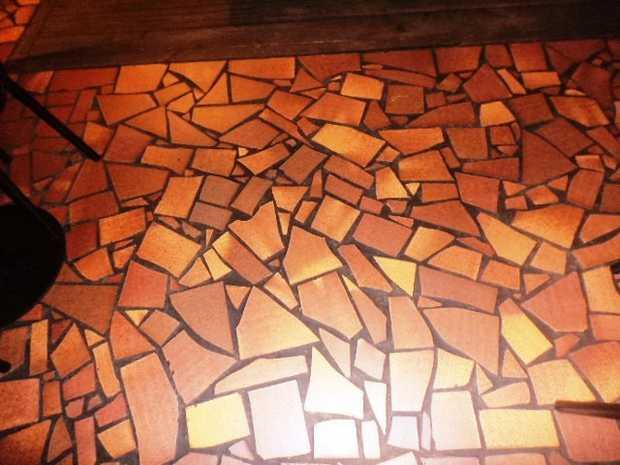 300X300mm 28-50m3 Pallet genuine terra cotta tiles. Buy per pallet works out at $1 per tile.Broken...