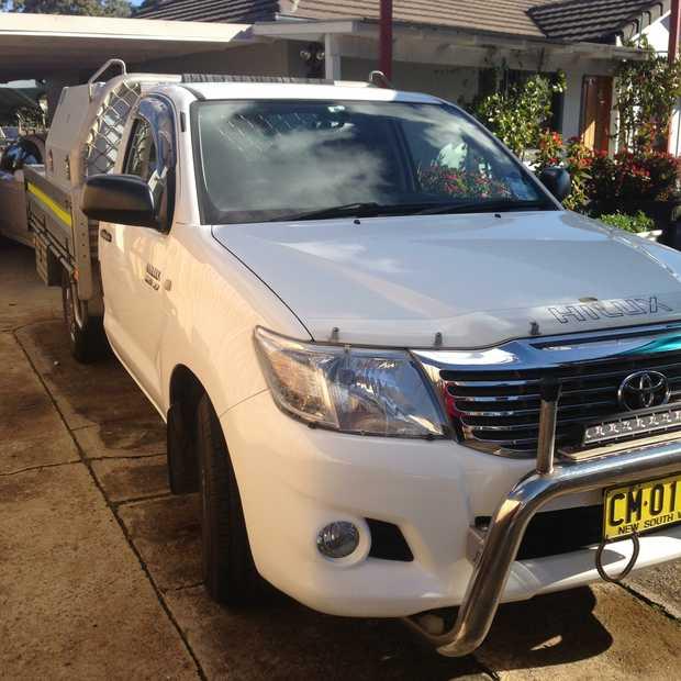 Toyata Hilux 2013 Single Cab 2WD   2.7 ltr, 4 spd AUTO, ULP, comes with custom tray - 265x185cm...