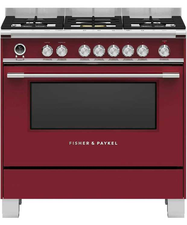 5 burners Convection oven with 140L total capacity Twin fans Nine oven functions Instant heat & precise...