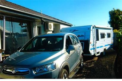 MILLARD HORIZON & 2012 Captiva diesel , 120K klms vgc, van 2 sing beds, a/c, VGC, awn'...