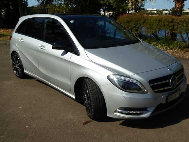 First reg 2013 only 74k. Every option. 4.5l/100.  Immac nothing to spend. Long reg. Log Bks. Gen reason...