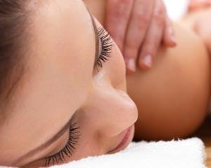 Surrender yourself to the benefits of a 1.5 hour reincarnation massage plus additional manicure or mini...