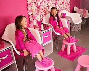 If your young lady deserves a day of pampering then look no further. This mini makeover package is the...