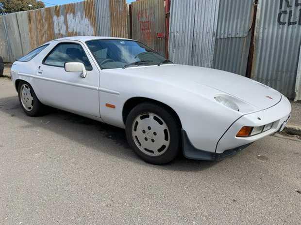 PORSCHE 928 - S3     86' model  Auto - V8  Good original...