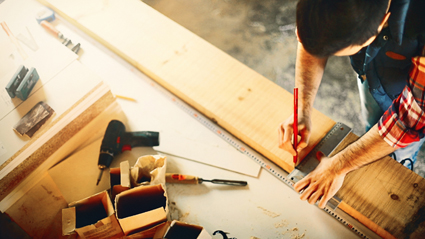 CHIPPY CHIPPY CHEAP CHEAP CARPENTER   Specialises in small jobs. Home Maintenance