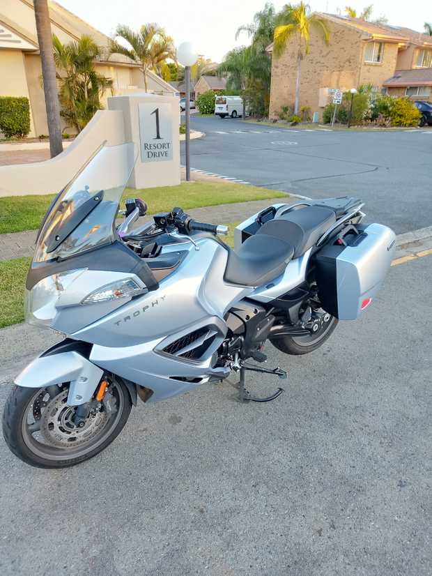 2014 Triumph Trophy SE    Touring, 1215CC, 74,000Kms, ABS   Absolute dream motor bike to ride...