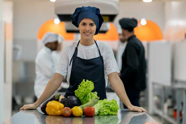 HEAD CHEF & COOK REQUIRED   AT TWO SUGAR HIGHTON   Immediate Start Award...