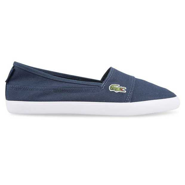 Inspired by boating and embracing a nautical look, the women's Marice from Lacoste presents a relaxed...