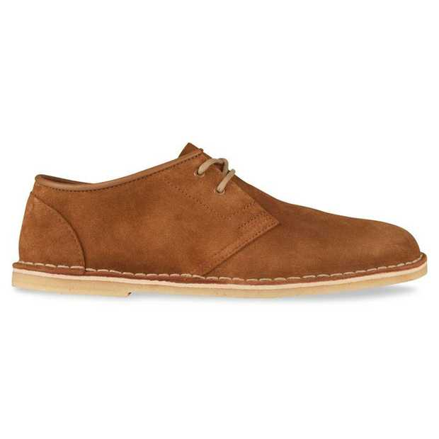 The Jink II by Clarks Originals is the epitome of smart casual footwear, featuring an authentic English...