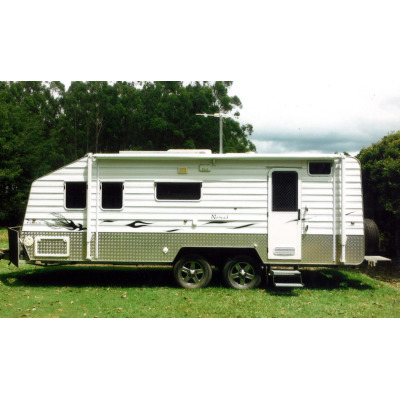 Phoenix Off-Road 21'5"