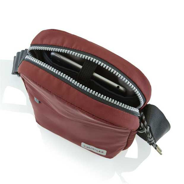The Megamorph hip pack is the perfect combination of compact, easy to use and clever...