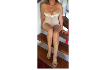 Profile: Lady Lee Location: Caloundra Age: Nifty 50's Eyes: Green Hair: Long Golden...
