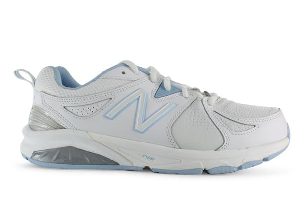 If you're looking for superior stability along with total comfort, the New Balance 857v2 cross-training...