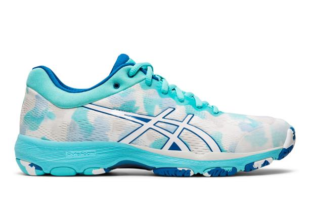 The Asics Womens Netburner Professional is a super lightweight netball shoe.