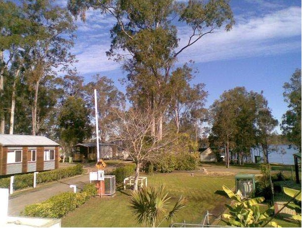 ACCOMODATION BY THE LAKE FIRST WEEK FREE