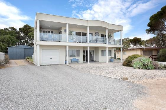 PORT JULIA 