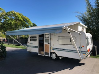 15ft Poptop single axle with roll out awning