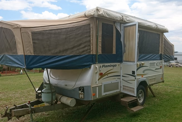 JAYCO/FLAMINGO /2008Current RWC and Gas Cert, Fully enclosed annex, Sleeps 5, AC, Stove for cooking...