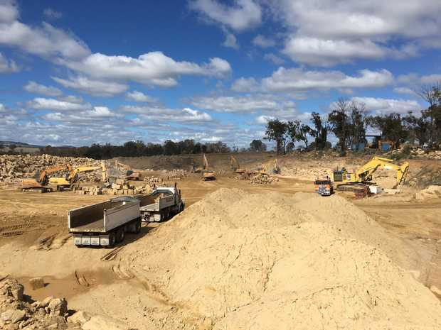 Experienced excavator operator required for family run sandstone quarry located Yangan Qld. Hourly rate...