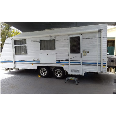 2011 Supreme Classic 23'   