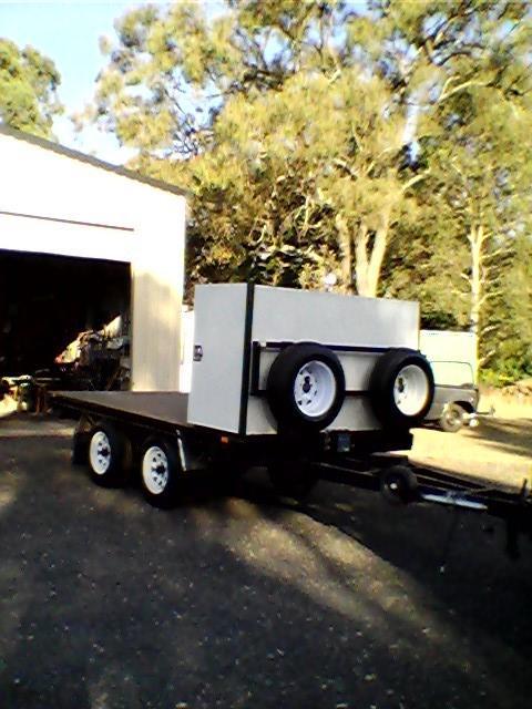 TRAILER. New 3.350 L, 1.800 W 3000 Kg - Cap. 2 spare wheels. Storage box, long draw bar, elec...