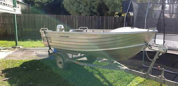4.1 metre Ally Craft Rhino Boat, 2001 Rhule trailer & 2008 Honda 4 stroke 25 hpr outboard.  Rego to...