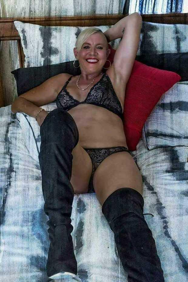 AUSSIE ROSE    Sexy Bi Blonde  Mature  Fit &...