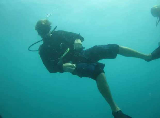 Learn the ins and outs of diving with this 3 stage introductory course.