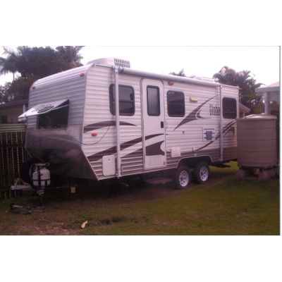 GLOBEL CARAVAN 18'6"