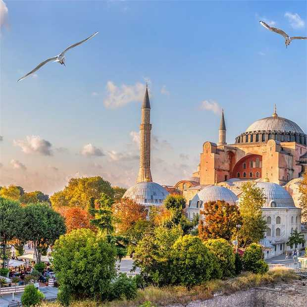 Steeped in history and pulsating with vibrant energy, Turkey beckons with the promise of astonishing...