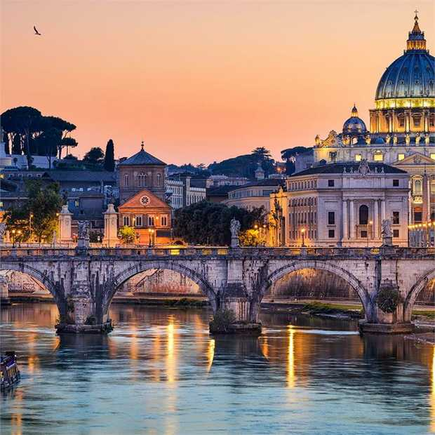 Immerse yourself in the vibrant energy of Rome, discovering centuries-old ruins, artistic masterpieces...