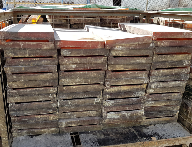 POOL COPING MANUFACTURING OPPORTUNITYMoulds to make wetcast concrete pool coping. This is a genuine...