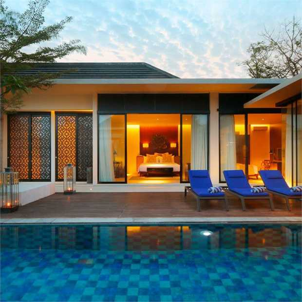 Treat your family or friends and holiday like royalty in a sprawling two or three-bedroom private pool...
