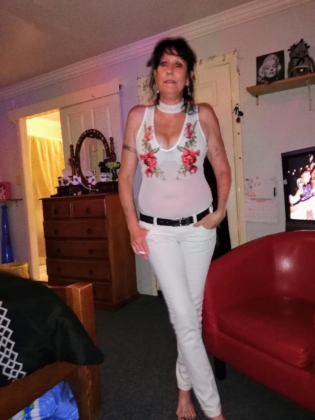 Active Sexy Mature Lady    Discreet Location.  Everton Park.  Avail Xmas & NY  9am...