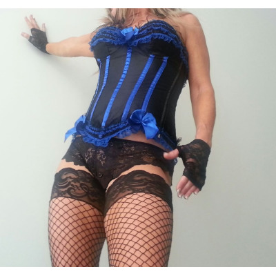 Sexy Mature Aussie Lady  NO PRIVATE NUMBERS   49B cup breast  Sz8  Body rub also...