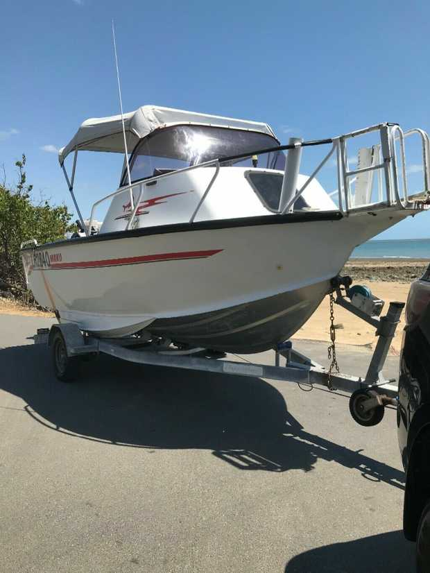 Alf Stessl Mako tri-hull 5.15 Cuddy and trailer 90 Johnston low hours fully serviced including...