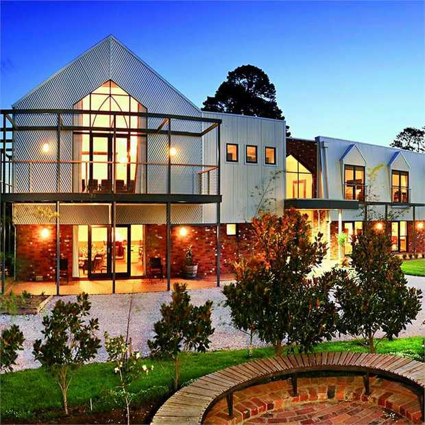Relax and reboot with a countryside escape, just an hour from the hustle and bustle of Melbourne's CBD...