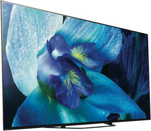 View images comfortably without straining your eyes with this Sony TV's 55-inch screen. It features an...