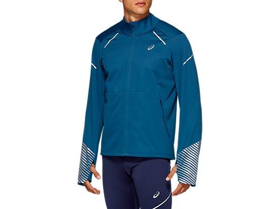Don't let winter weather conditions put you off your run in the LITE-SHOW 2.0 WINTER JACKET men's...
