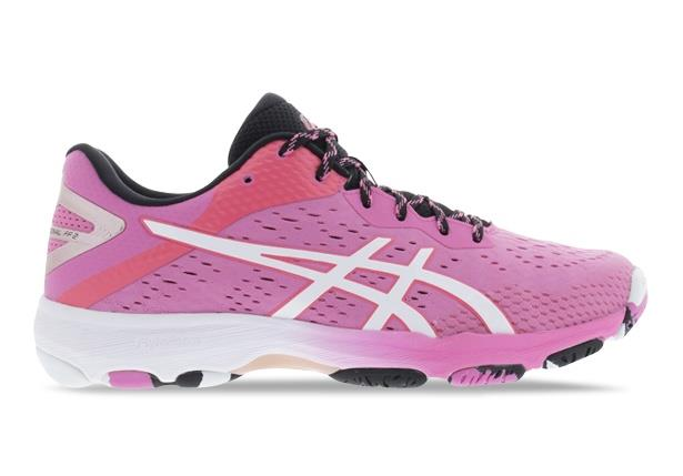 The fastest and lightest netball shoe that is favoured by pro players, The ASICS Netburner Professional...