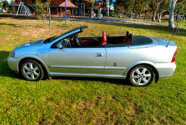 2005 ASTRA 2.2L BERTONE CONVERTIBLE